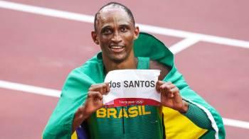 Ouro ficou com o norueguês Karsten Warholm, com novo recorde mundial estabelecido na final olímpica