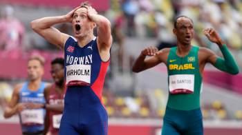 Aos 21 anos, brasileiro conquistou o bronze nos 400m com barreiras e agora é o terceiro homem mais rápido da prova em todos os tempos