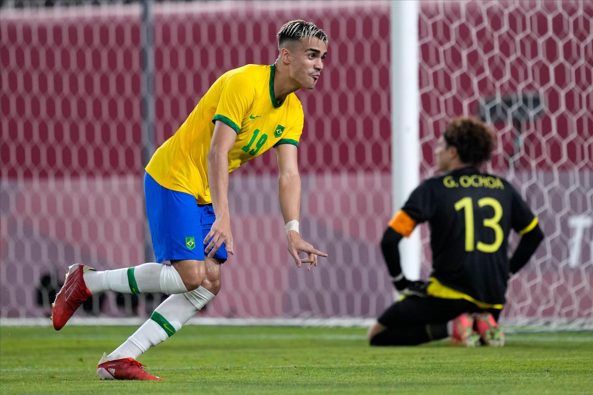 Reinier converteu 4ª cobrança de pênalti do Brasil contra o México vaga na final