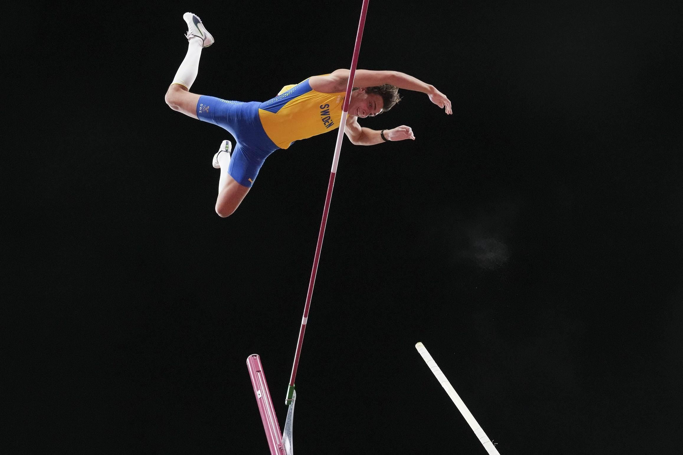 Armand Duplantis foi medalha de ouro na prova do salto com vara das Olimpíadas