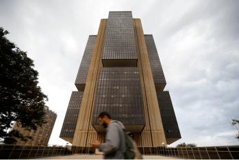 Possibilidade do Bolsa Família ficar fora do teto de gastos mantém mercados em alerta