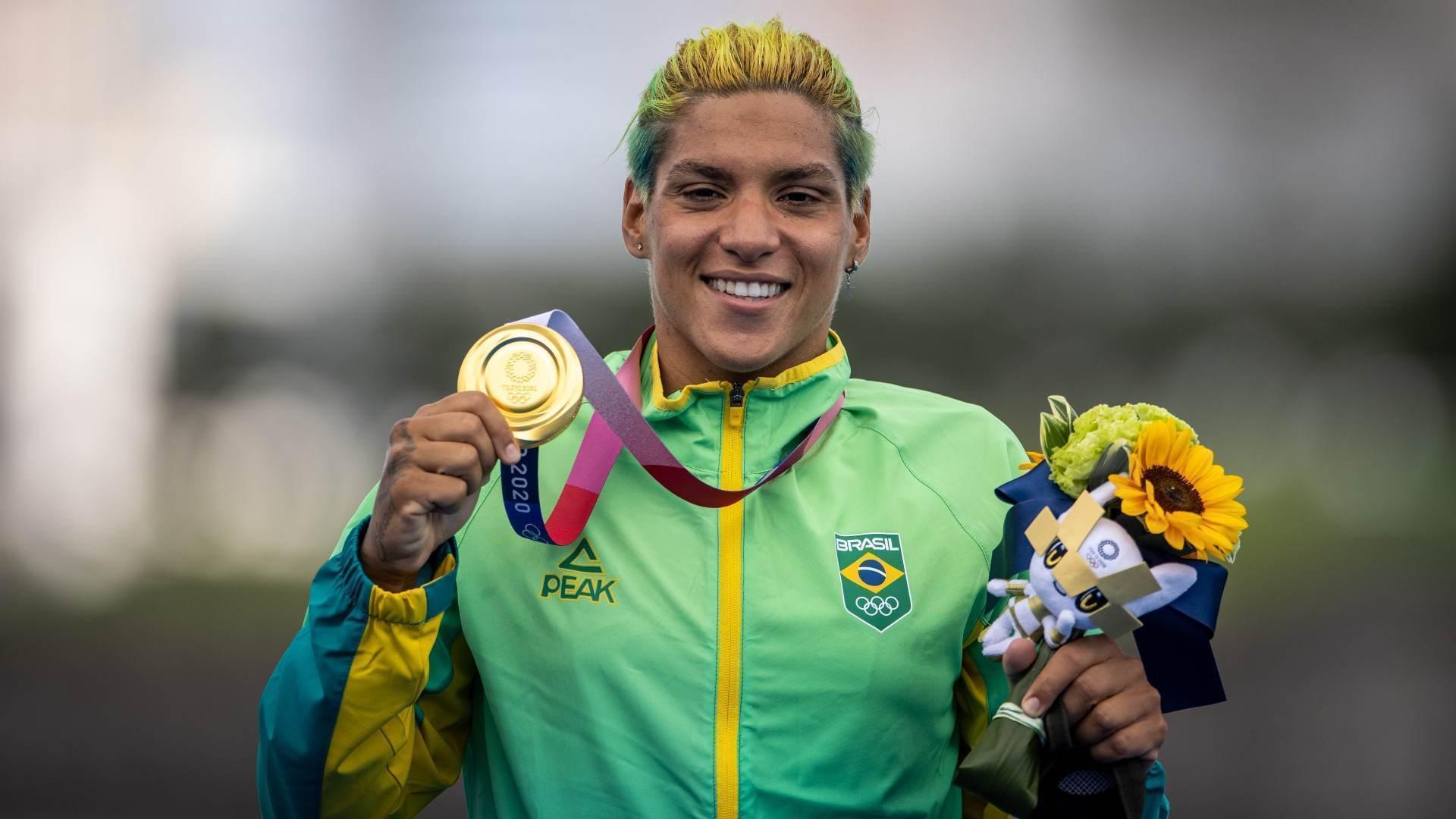 Ana Marcela Cunha, medalha de ouro na maratona aquática