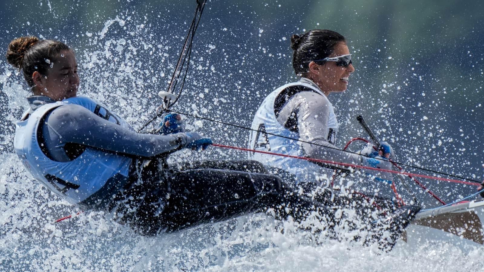 Fernanda Oliveira e Ana Luiza Barbachan competem em etapa da classe 470