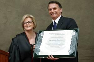 TSE deve ignorar Bolsonaro e liberar relatório de ações de cassação da chapa