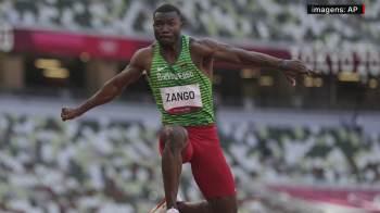 Hugues Fabrice Zango conquistou o bronze no salto triplo com a marca de 17,47 metros; país é o terceiro no Japão a chegar ao pódio olímpico pela primeira vez