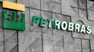 Privatização da Petrobras pode piorar preço dos combustíveis, diz pesquisadora