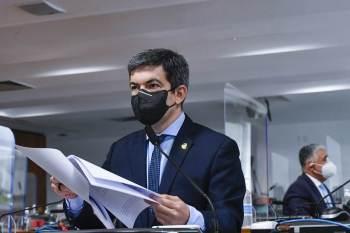 Segundo o parlamentar, os ataques às instituições desferidos pelo chefe do Executivo federal visam intimidar a CPI.
