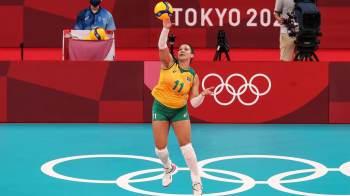 Jogadora da seleção feminina de vôlei retorna ao Brasil após a revelação do caso
