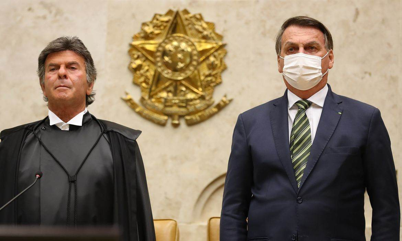 Ministro Luiz Fux ao lado do presidente Jair Bolsonaro