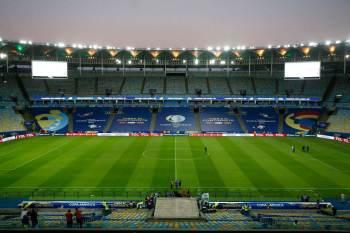 Campo sofre com volume de jogos e condições climáticas desta época do ano, informou a administração do estádio