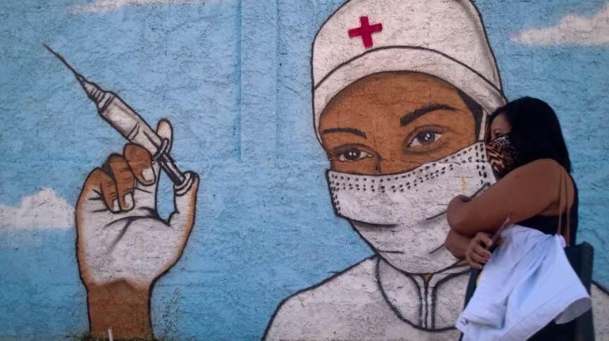 Covid-19: Rio de Janeiro estuda aplicação da terceira dose em idosos