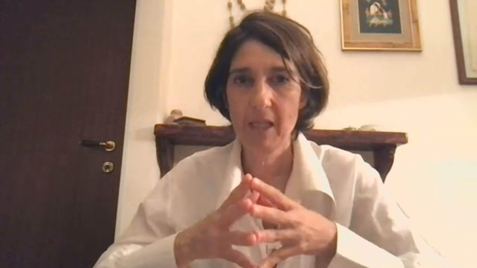 Médica italiana Arianna Di Stadio falou à CNN sobre tratamento de anosmia