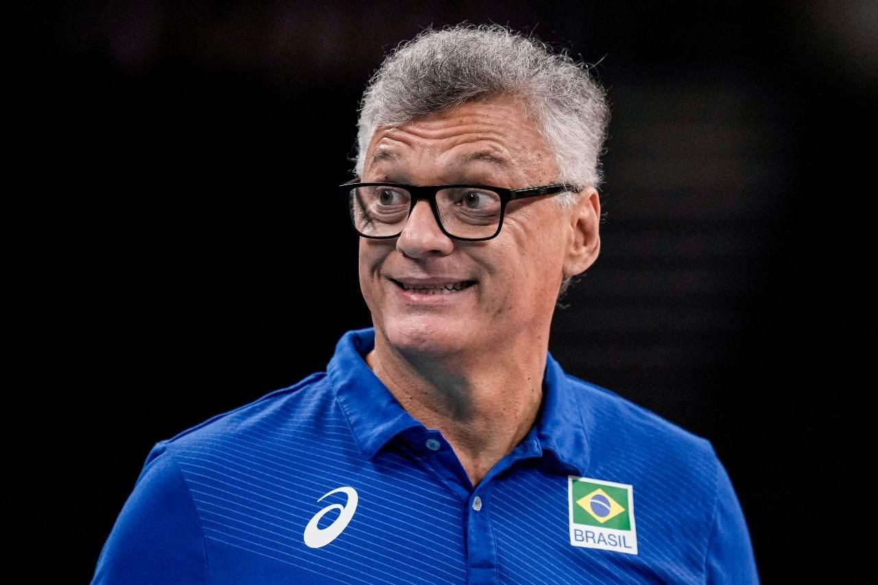 Fofo em close de Renan Dal Zotto, técnico do Brasil de vôlei