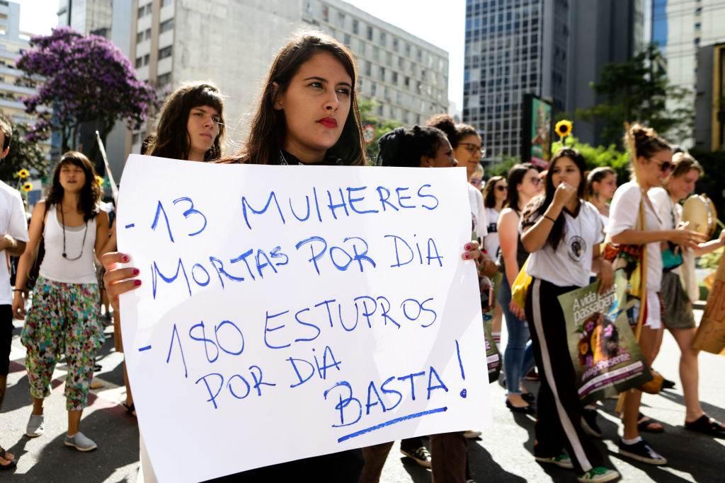 Protesto em Curitiba contra a violência e o feminicídio