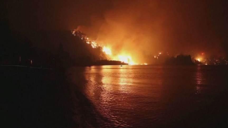 Número de mortos em incêndio na Grécia sobe para 2 (07.Ago.2021)