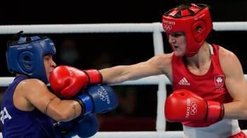 Kellie Harrington foi a campeã olímpica do peso leve por decisão unânime