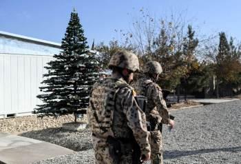 Em Kunduz, o Ministério da Defesa afegão disse que os comandos retomaram o controle da Praça General Razi
