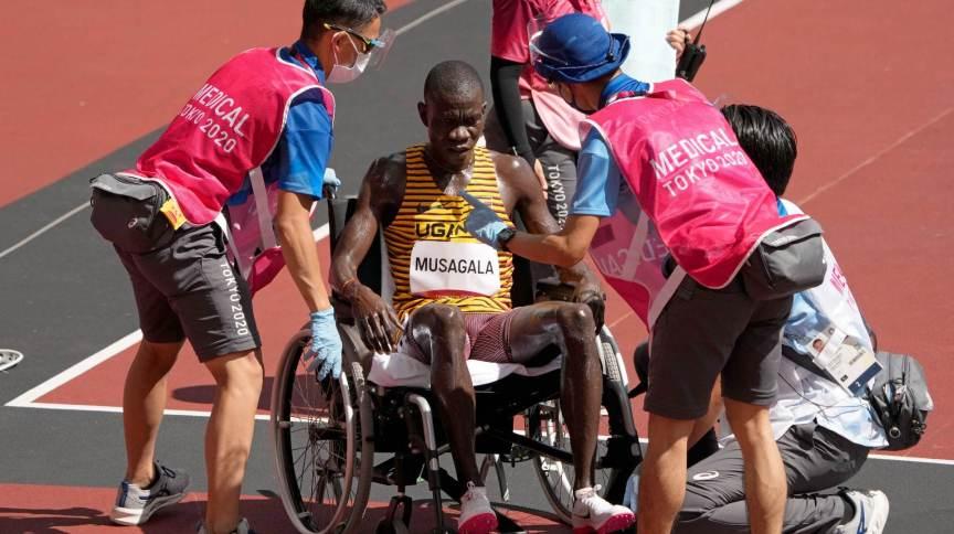 Ronald Musagala, de Uganda, abandona prova dos 1.500m nas Olimpíadas 2020 em razão do calor
