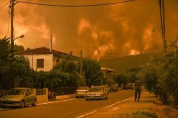 Governo grego deve realizar reunião ministerial ainda nesta segunda-feira (9) para decidir medidas de alívio para moradores que perderam propriedades