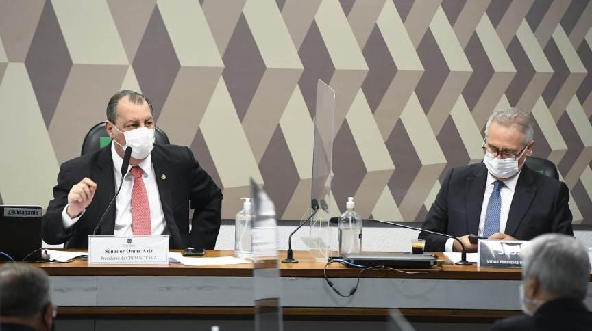 Os senadores Omar Aziz (PSD-AM) e Renan Calheiros (MDB-AL) na CPI da Pandemia