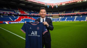 É especulado que o argentino vá ganhar 35 milhões de euros por temporada no clube francês