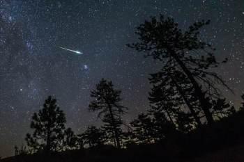 A Perseidas é a maior chuva de meteoros do ano, composta por fragmentos do cometa Swift-Tuttle