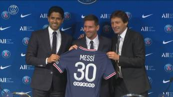 Craque argentino foi apresentado na manhã desta quarta-feira (11) pelo Paris Saint-Germain; ele assinou com o clube francês por dois anos