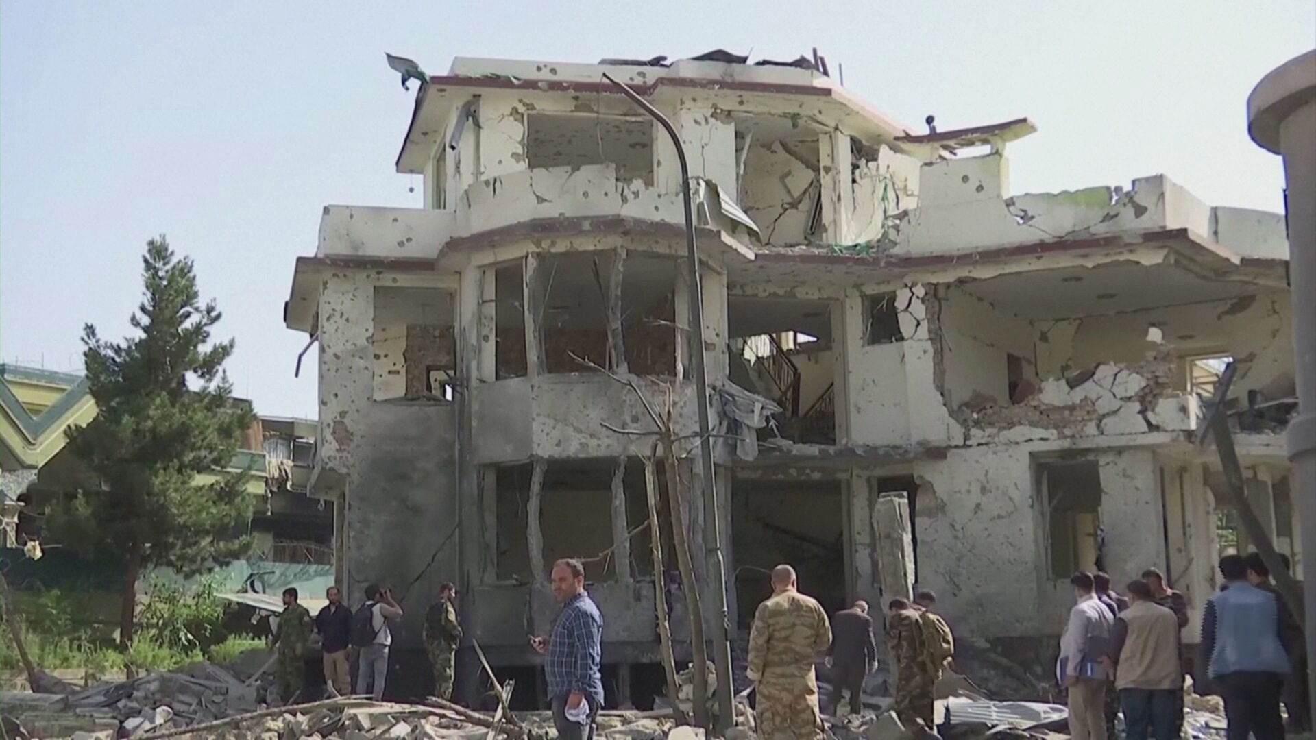 Prédio de cidade afegã é destruído após invasão do Talibã