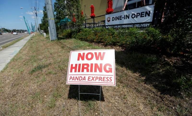 Os pedidos de auxílio-desemprego nos EUA caíram na semana anterior, para 375 mil