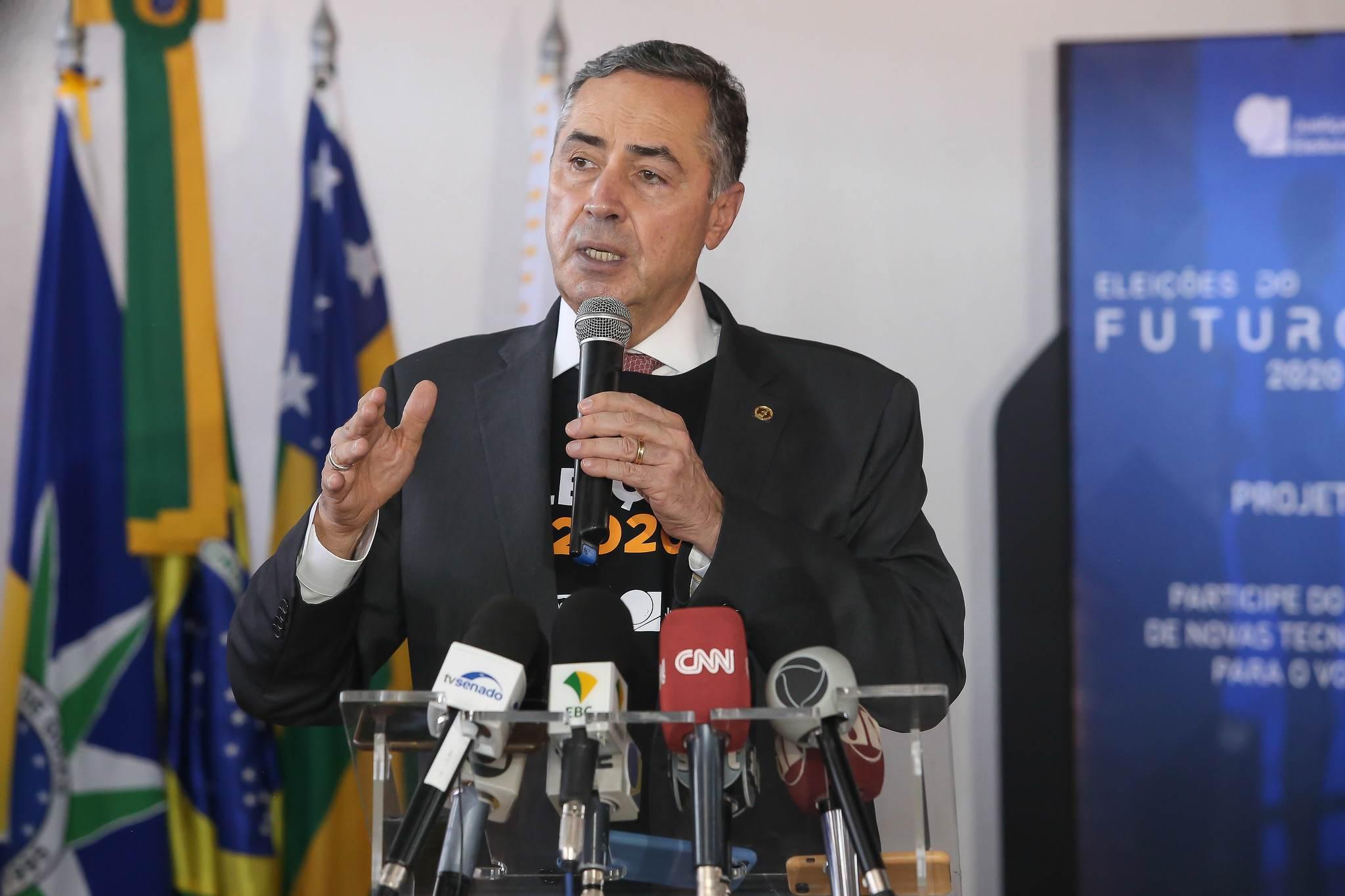 O ministro Luís Roberto Barroso, do TSE
