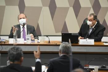 Após crítica de deputado, senadores discutiram e sessão foi suspensa temporariamente