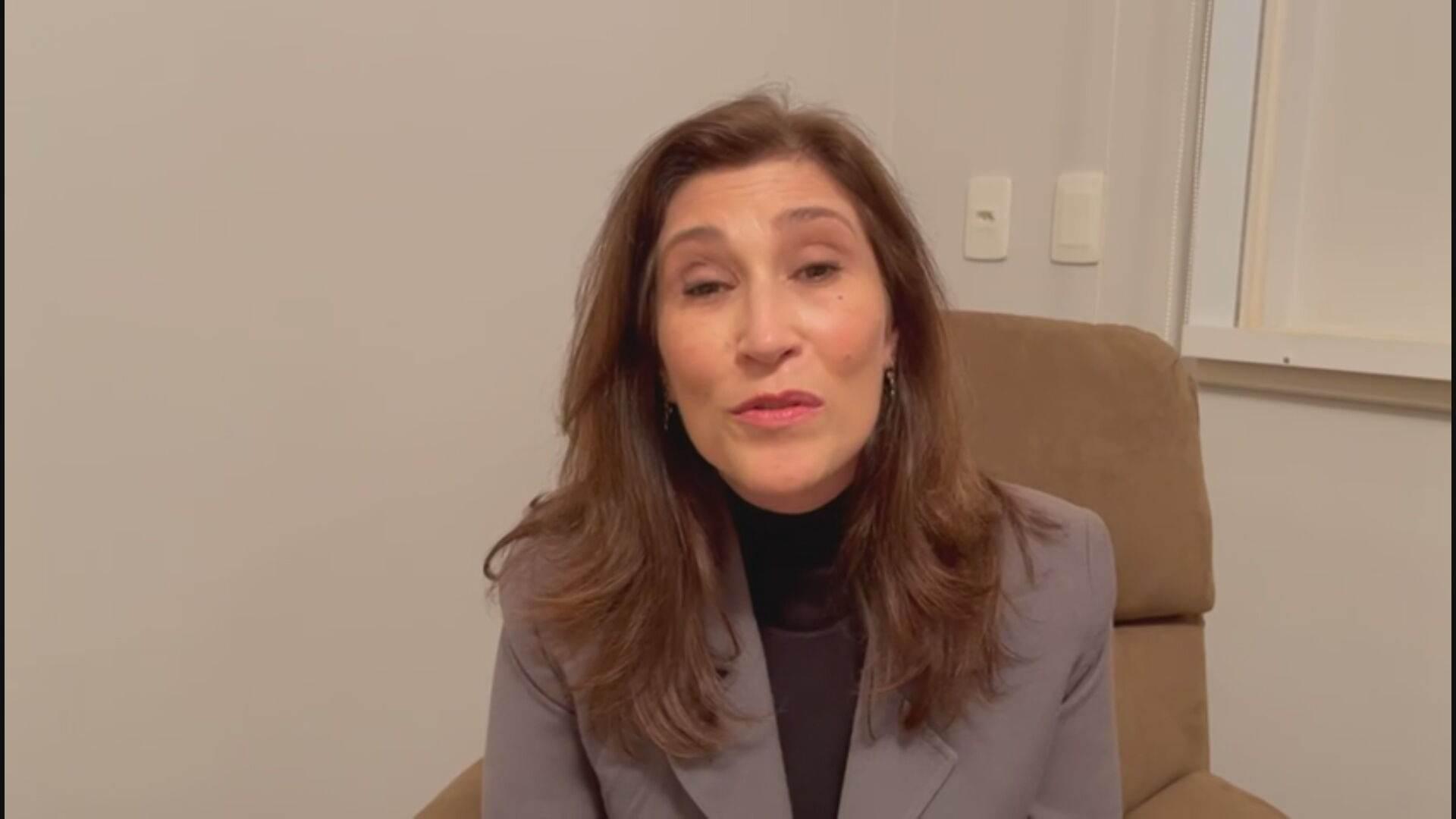 A atriz Beth Goulart homenageou Tarcísio Meira em vídeo