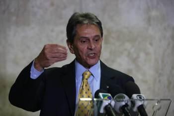 Objetivo é conseguir autorização do ministro do Supremo Tribunal Federal (STF) Alexandre de Moraes para que ex-parlamentar seja internado em hospital particular no Rio