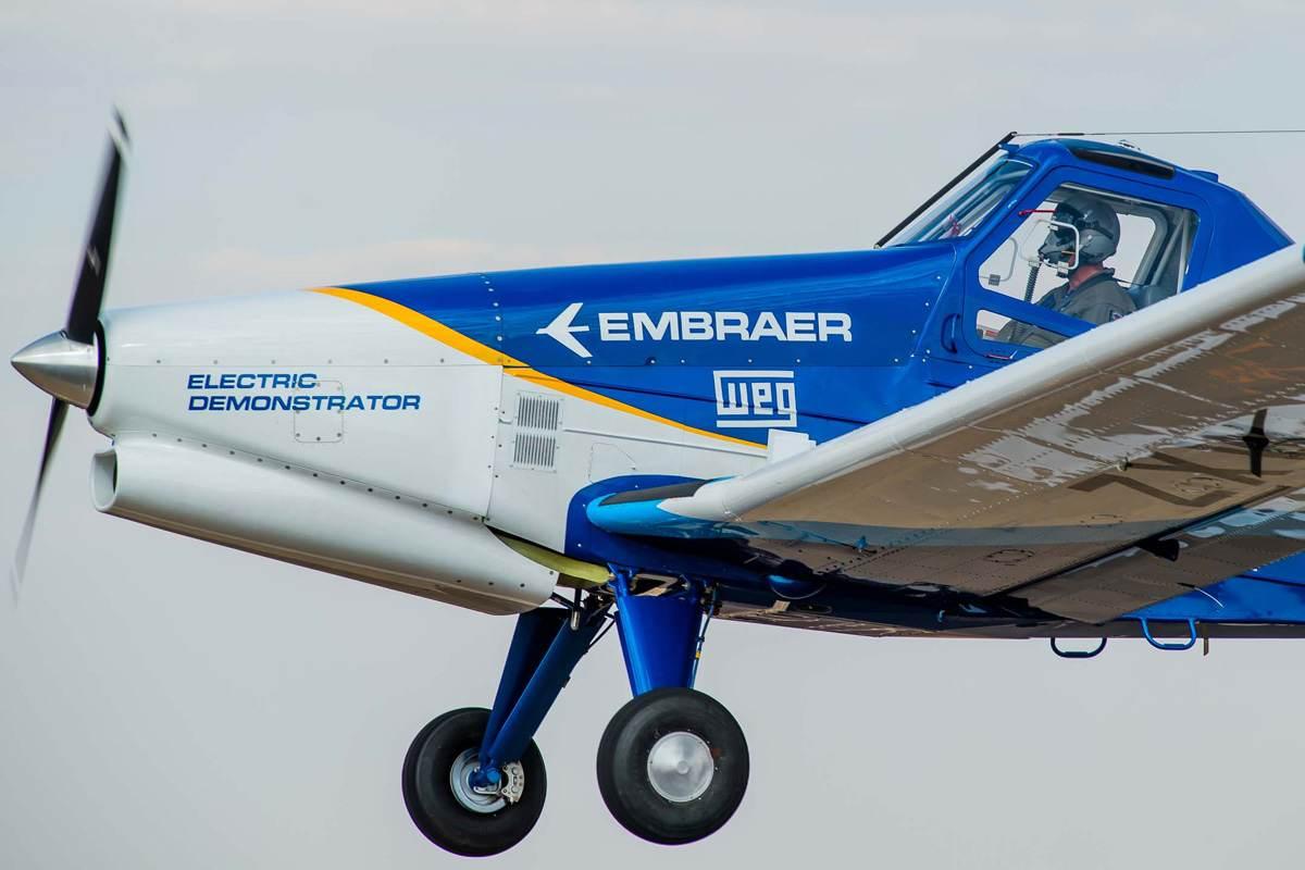 Primeiro voo de avião elétrico desenvolvido pela Embraer