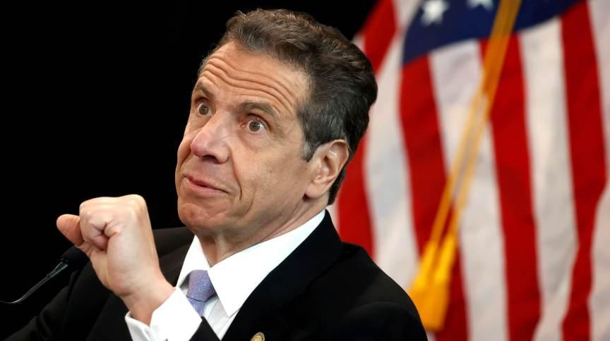 O governador de Nova York, Andrew Cuomo, durante entrevista coletiva