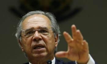 Além da Câmara, comissão do Senado aprovou um convite para Guedes e o presidente do Banco Central, Roberto Campos Neto, que terão de explicar suas contas em paraísos fiscais