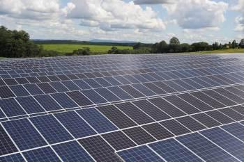 Vidros e telhas com sistema fotovoltaico são novas opções