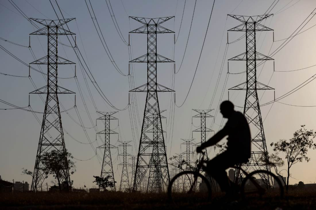 Torres de transmissão energia