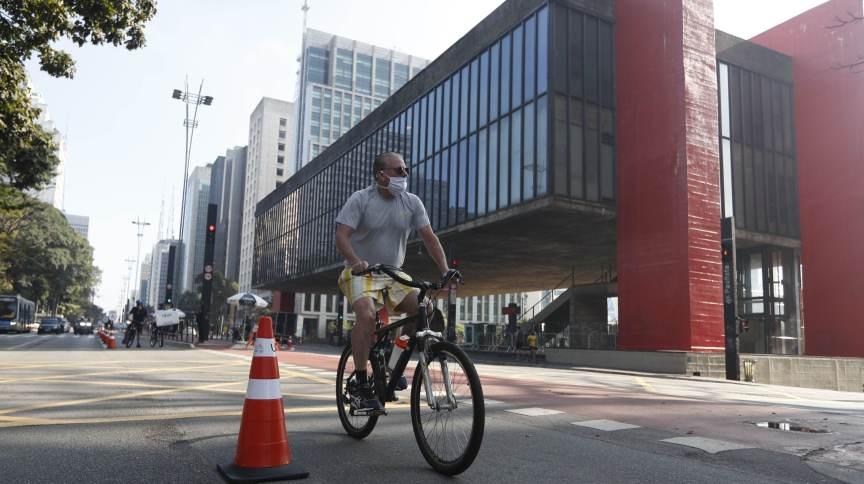 Reativação da ciclofaixa de lazer na Avenida Paulista, na manhã deste domingo (19.jul.2020)