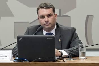 Senador protocolou pedido de esclarecimento na 39ª Vara Criminal do Rio de Janeiro