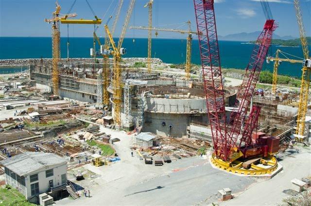Obras da usina termonuclear Angra 3, em Angra dos Reis (RJ)