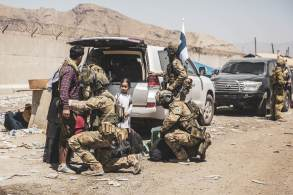 Equipamentos e tropas já começam a sair do país com o prazo final do dia 31 de agosto à porta
