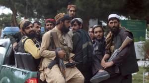 Talibã pendura corpos de supostos sequestradores em cidade do Afeganistão