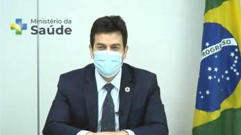 O secretário-executivo do Ministério da Saúde disse à CNN que a pasta recomenda a terceira dose para esse seguimento independente do imunizante que tenham recebido