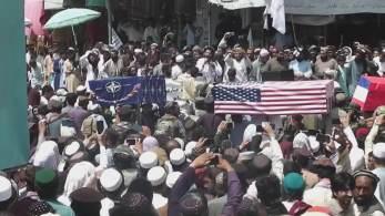 Evento reuniu multidão para celebrar retirada de militares