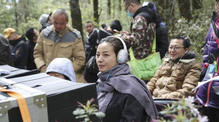 A atriz Zhao Wei dirigindo seu segundo filme