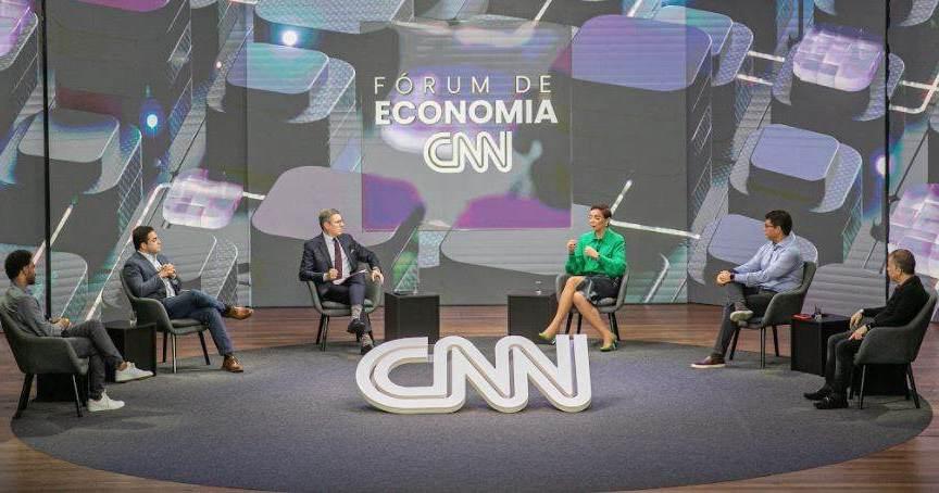 Rene Silva, Aloisio Matos, Tânia Cosentino, Fabrício Bloisi e José Seripieri Filho participam do Fórum de Economia CNN