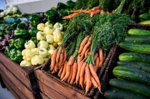 Conab: preços do tomate e da cenoura são destaques de alta em setembro no atacado