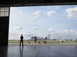 Casas com hangares privativos em condomínios-aeroportos atraem proprietários de aeronaves