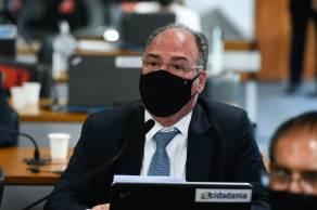 Senador Fernando Bezerra (MDB-PE) busca assinaturas de membros do Conselho em favor da sabatina para o indicado ao STF